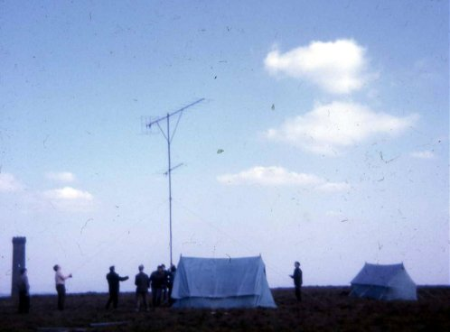 Erecting the 144Mhz antenna with the Bury Club